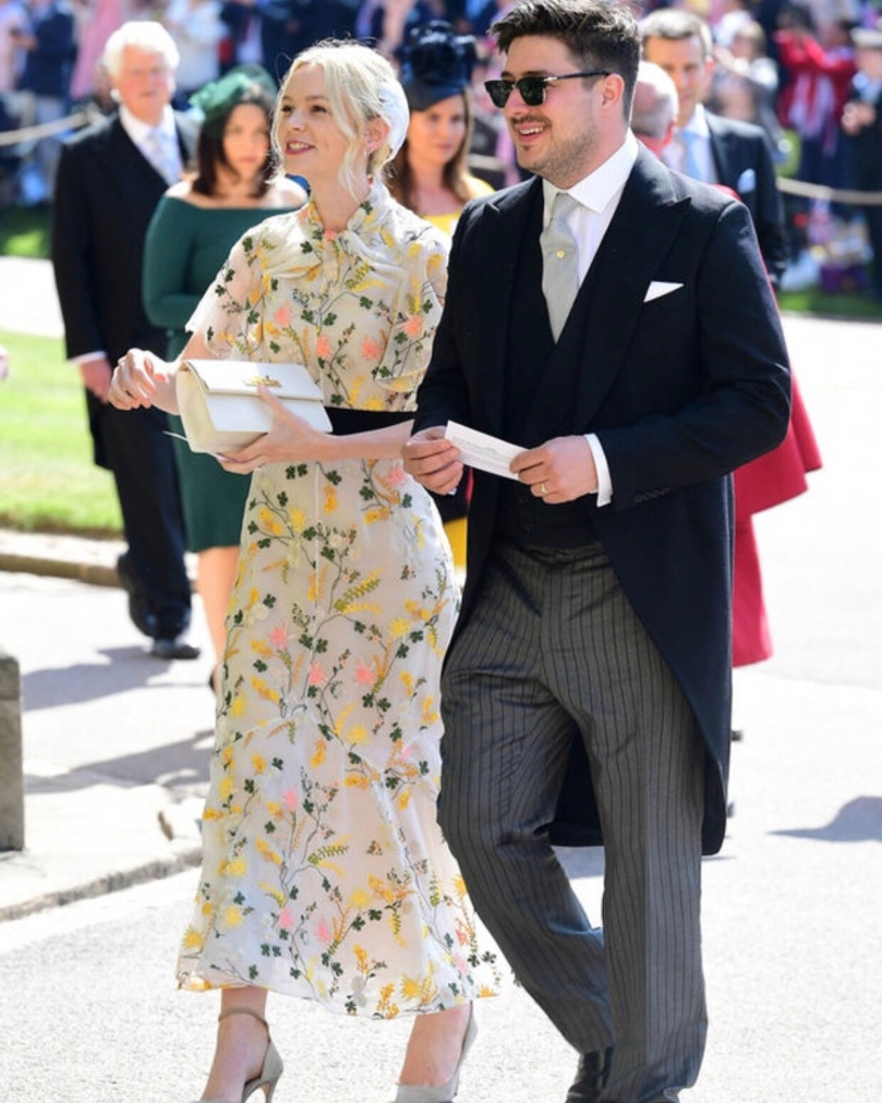 Even though I'm not a fan of floral print, Carey Mulligan stunned in this Erdem dress!